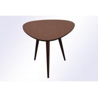 Стол кофейный треугольный